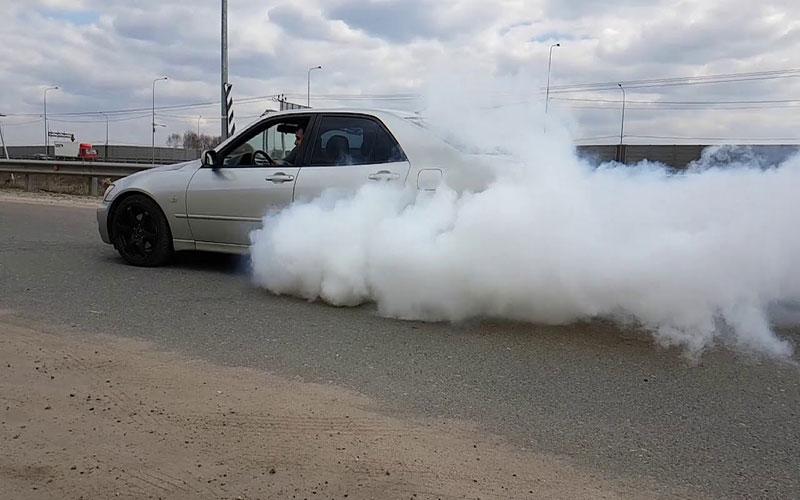 عوارض روغن سوزی خودرو