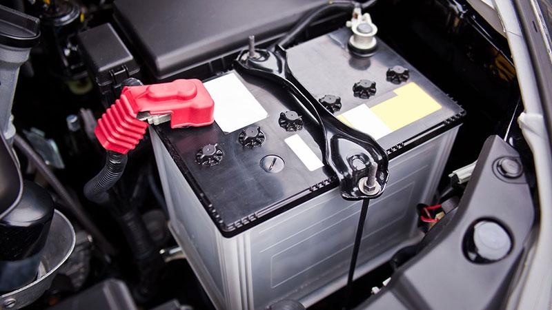 خوابیدن باتری ماشین